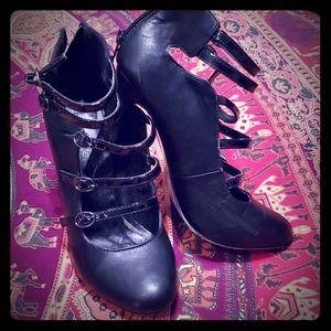 Shoedazzle Bonita heels